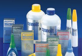 Packshot of the cyanolite instant adhesives for the industry from Panacol | © Panacol